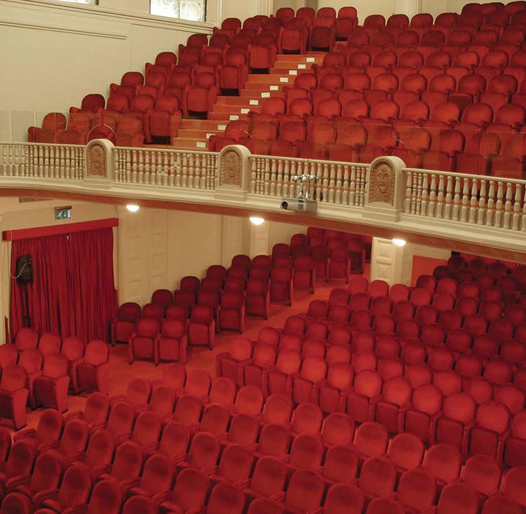 Giada napoli for Poltrone teatro